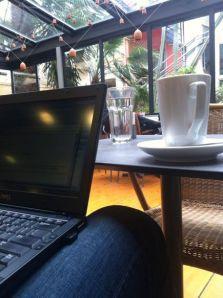 Στο καφέ του βιβλιοπωλείου